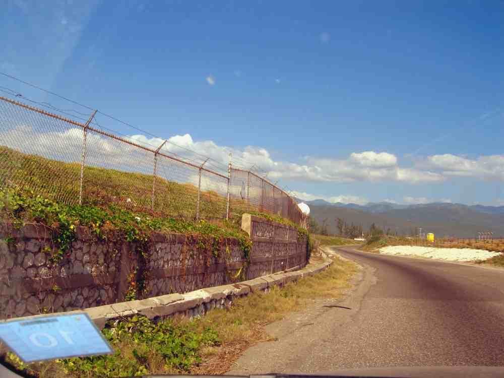 american airlines overshot runway